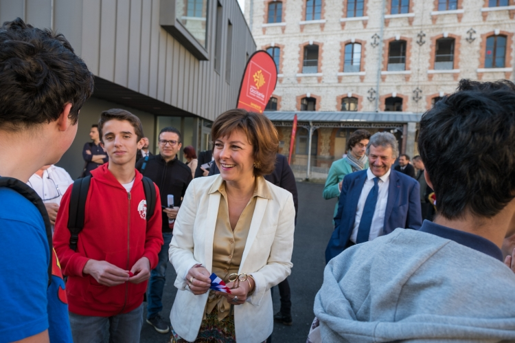 """http://groupe-src.fr/medias/imagesComPresse/inaugurations_carole_delga_11_octobre_2017_tarbes-4.jpg"
